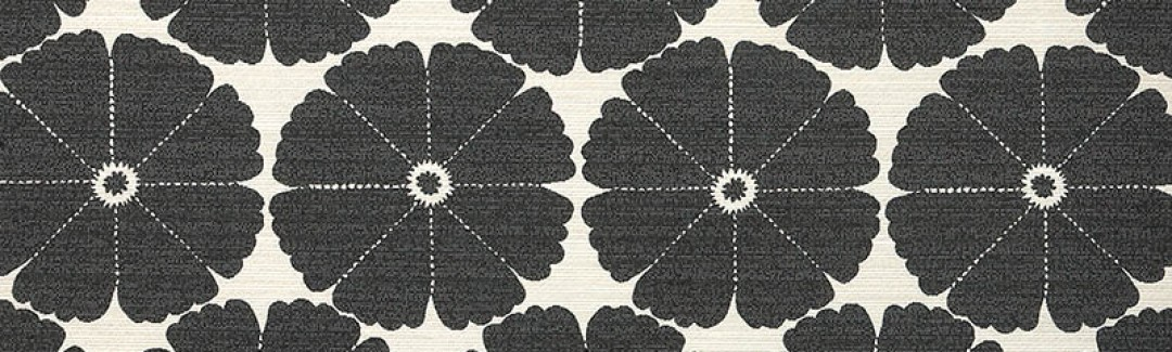 Big Flower Black Dahlia 2456/03 Detailed View