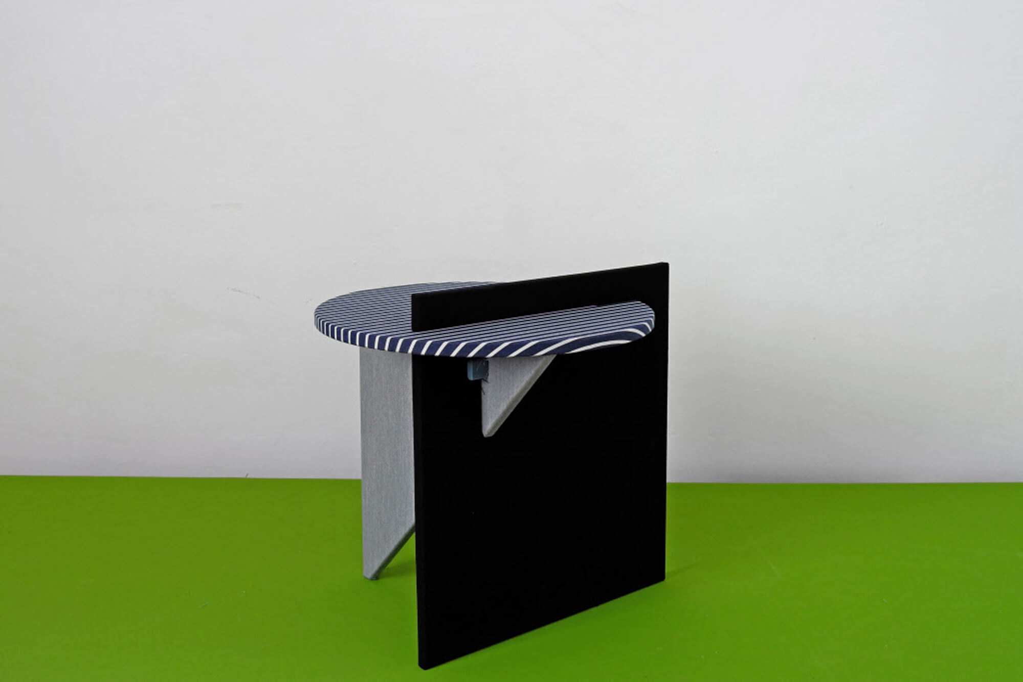 Side table by Atelier Lavit in black and navy in the Rosana Orlandi gallery